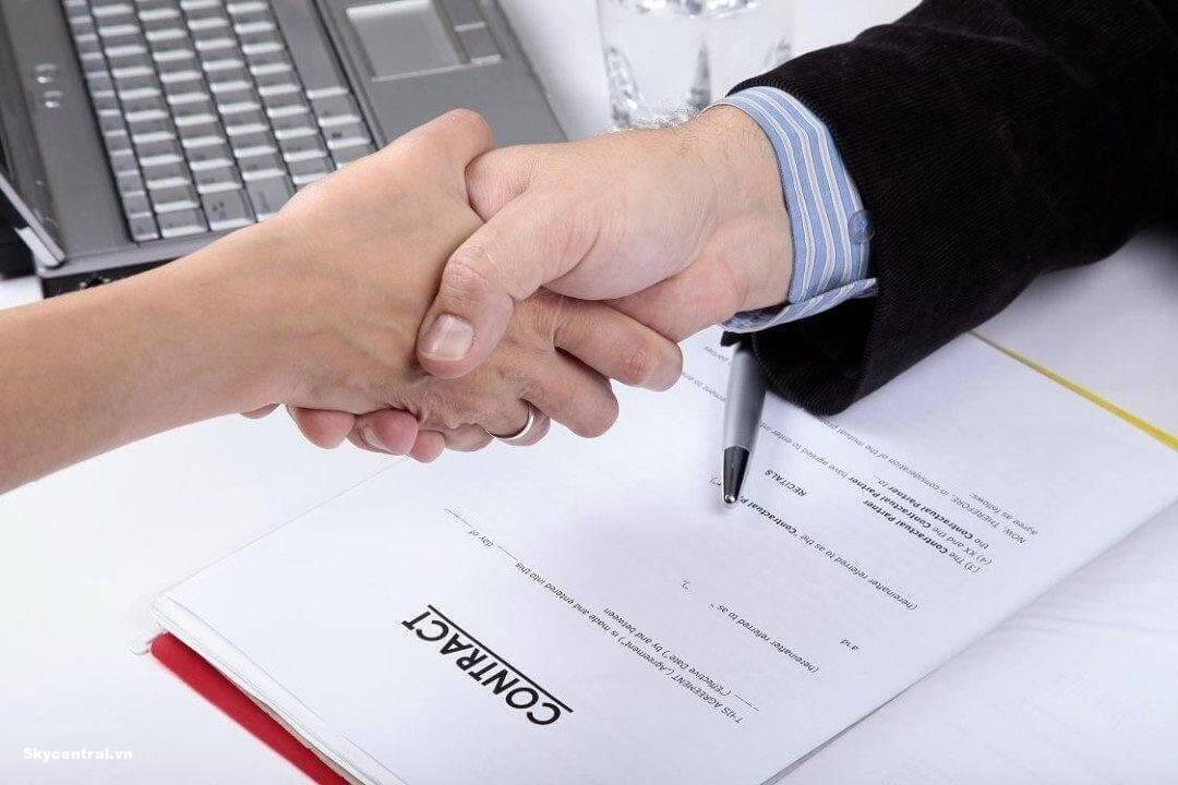 Hợp đồng là căn cứ đảm bảo quyền lợi khi thuê nhà.