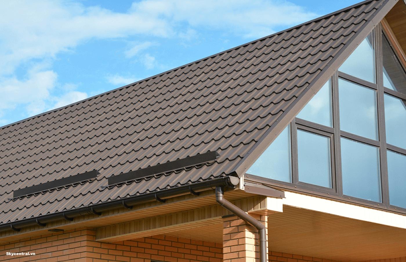 Sử dụng mái lợp màu sáng để tán sắc ánh sáng ban ngày
