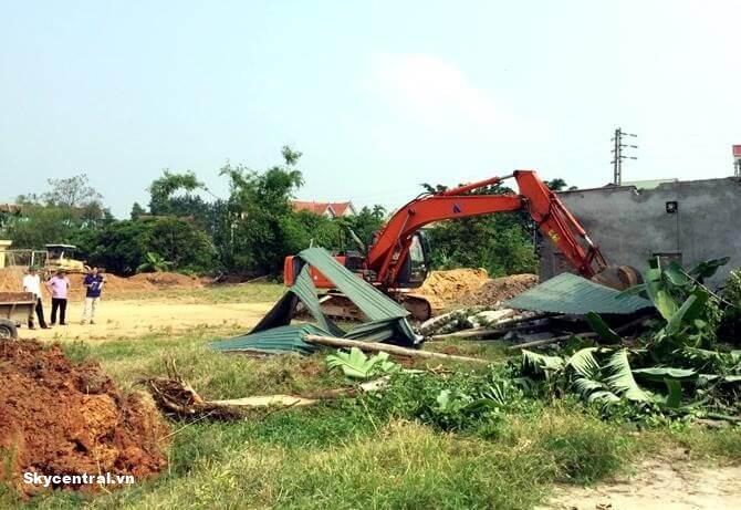 Cưỡng chế thu hồi đất phải được thực hiện công khai.