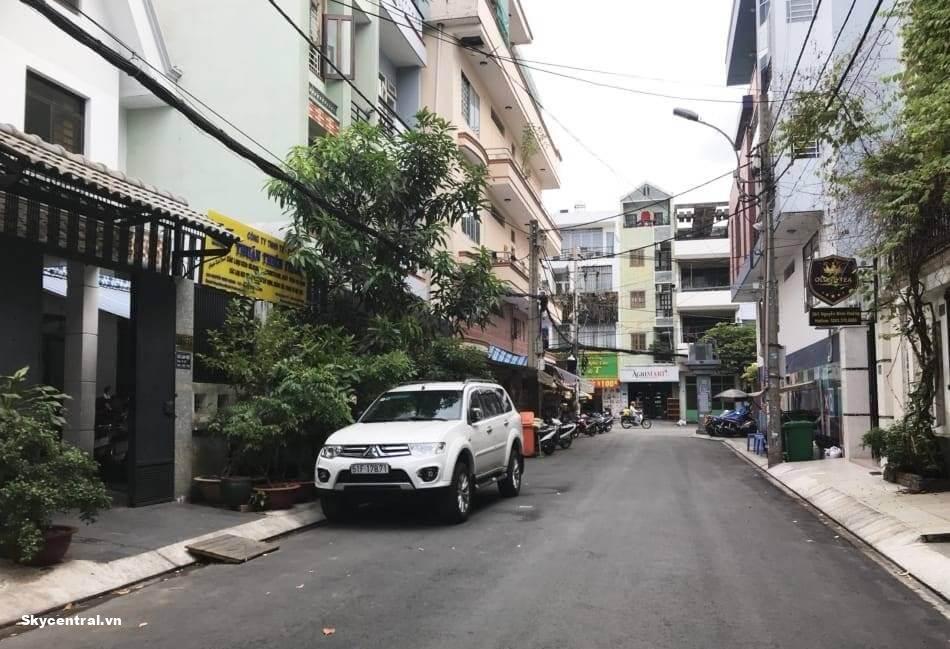 Nhà HXH thuận tiện cho việc để ô tô