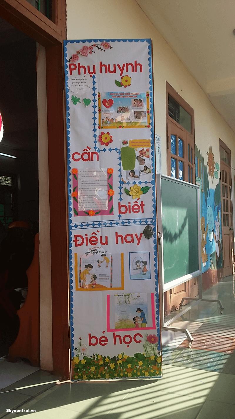 Trang trí như một bảng thông báo cho phụ huynh và học sinh