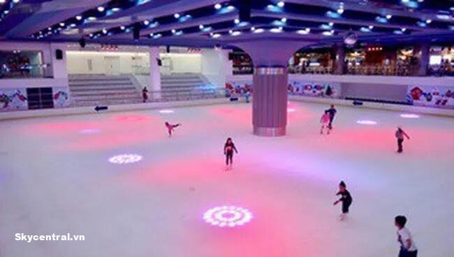 Sân trượt băng hiện đại và đẹp mắt của Landmark 81